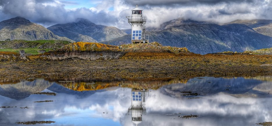 Port_Appin_Lighthouse_slideshow.jpg