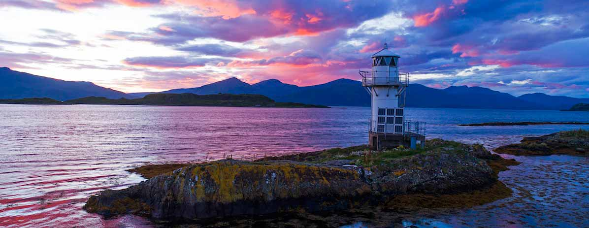 Port appin Lighthouse at sunset