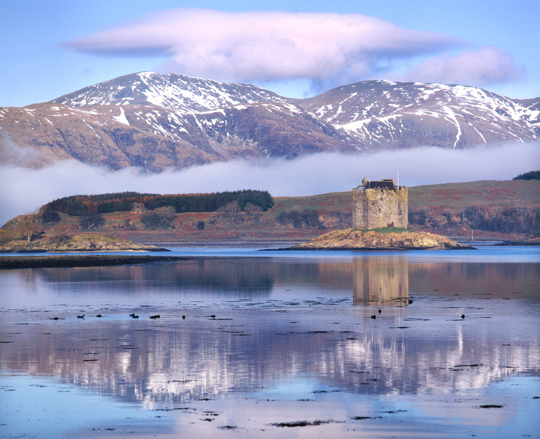 Castle Stalker in winter 440.jpg