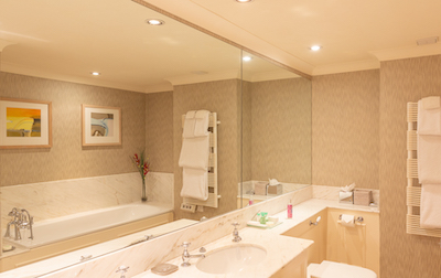 loch view bathroom 440.jpg