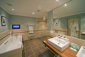 hotel-bathroom-master-suite.jpg