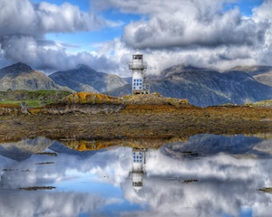 Port Appin Lighthouse 300.jpg
